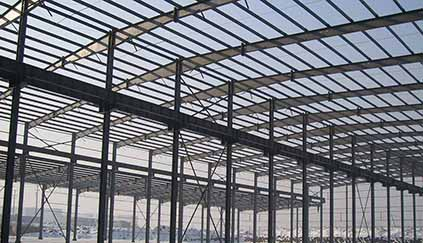 Problems and solutions in steel structure construction